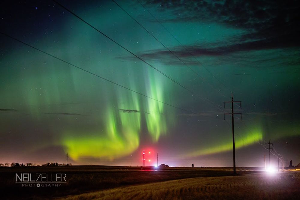 Image: Northern lights north of Airdrie on the QE2 / Neil Zeller Photography