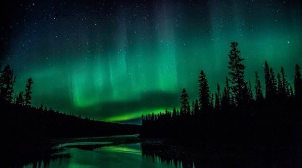 39 spectacular photos from last night's Northern Lights display across Canada