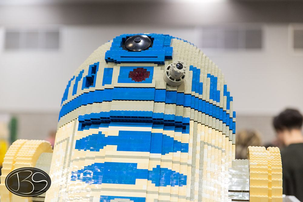 R2D2 at the LEGO Imagine Nation Tour in Vancouver (Justin Siu)