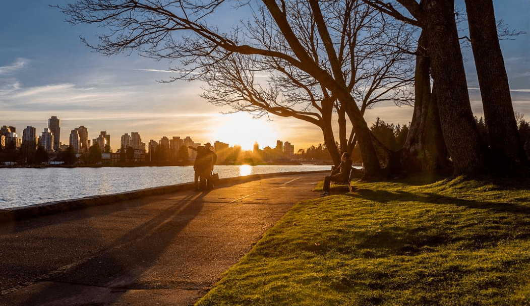 Vancouver stanley park seawall sunset