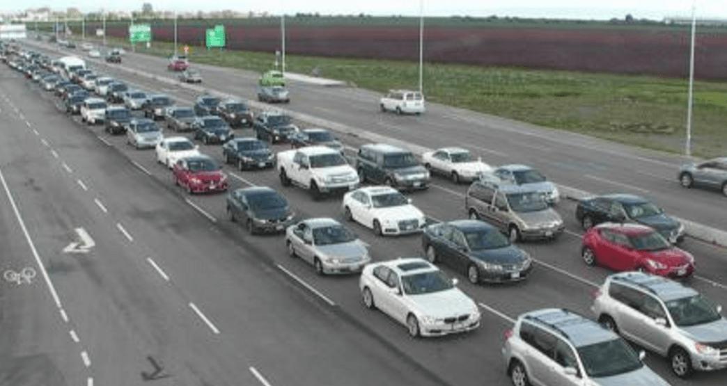 Traffic mayhem continues today at Tsawwassen Mills (PHOTOS)