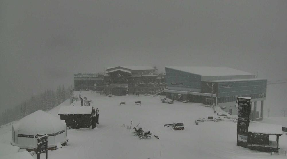 Whistler blackcomb roundhouse lodge snow weather.jpg