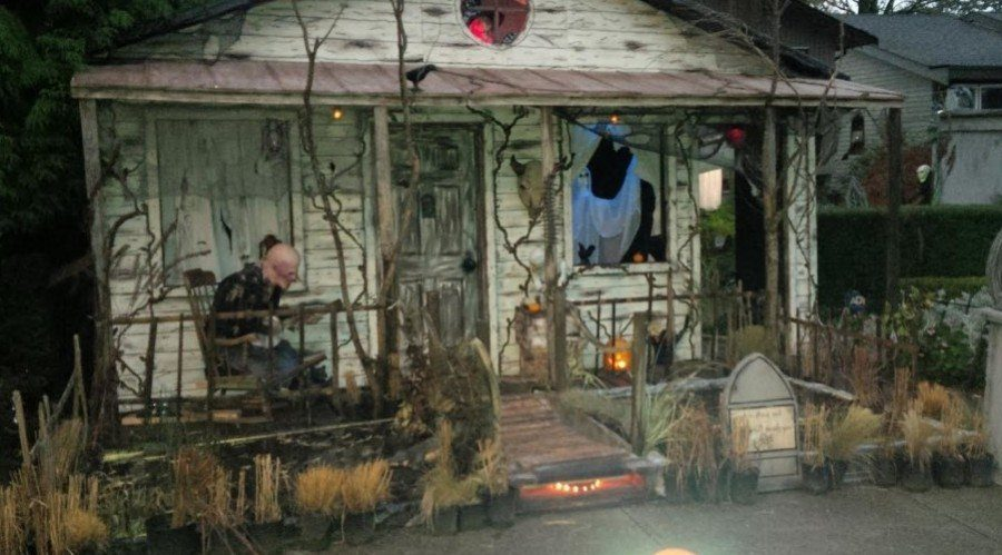Get ready for Halloween screams and scares at Langley's Haunted Swamp House 2016