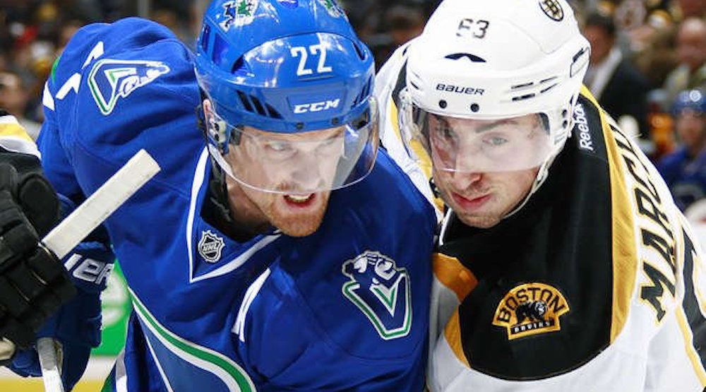 Banged-up Bruins down starting goalie vs. Canucks