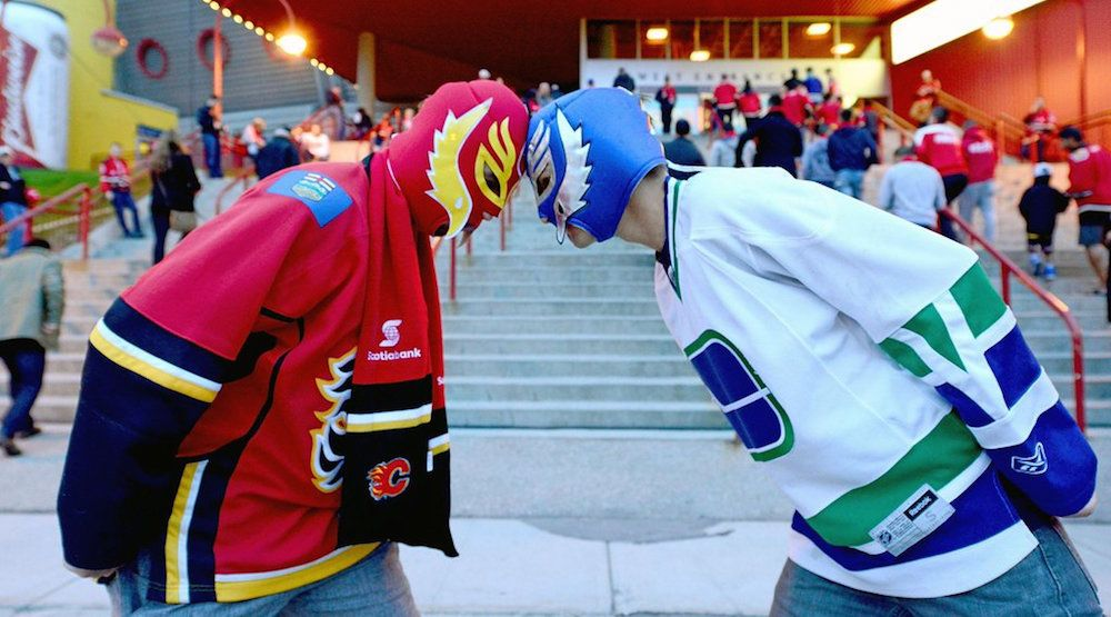 Canucks flames fans