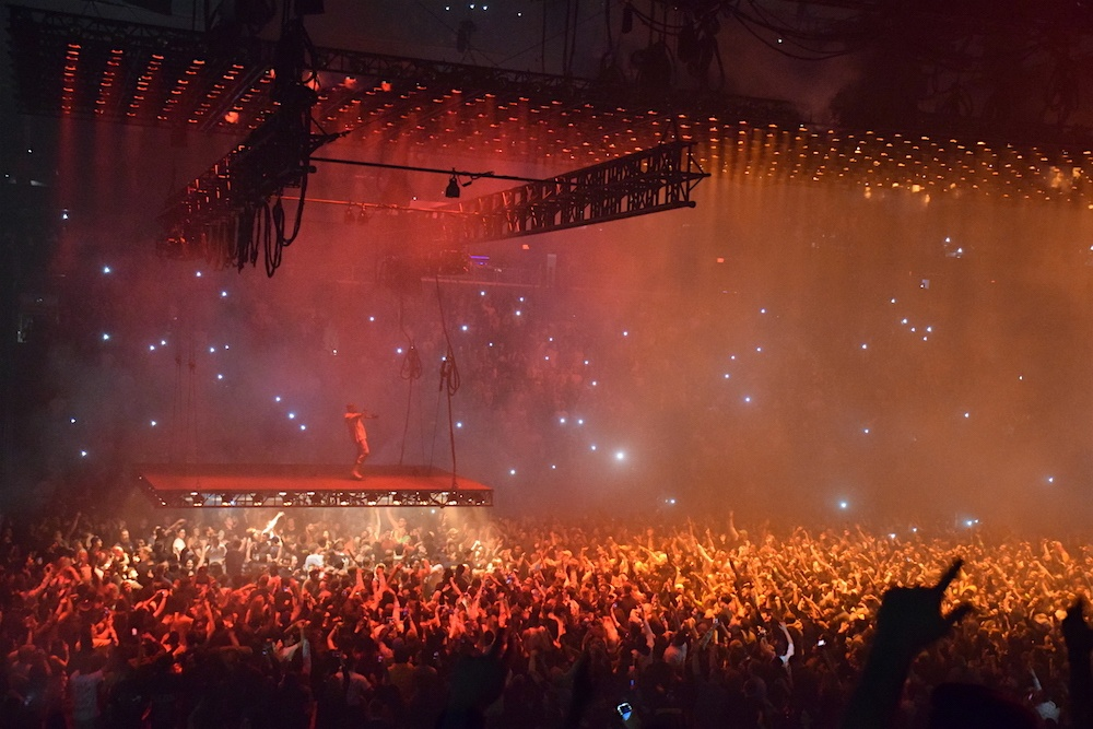 Review: Kanye rolls into Rogers Place solo for his Saint Pablo Tour (PHOTOS)