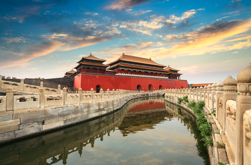 Non-stop roundtrip flights from Calgary to Beijing for $652 right now