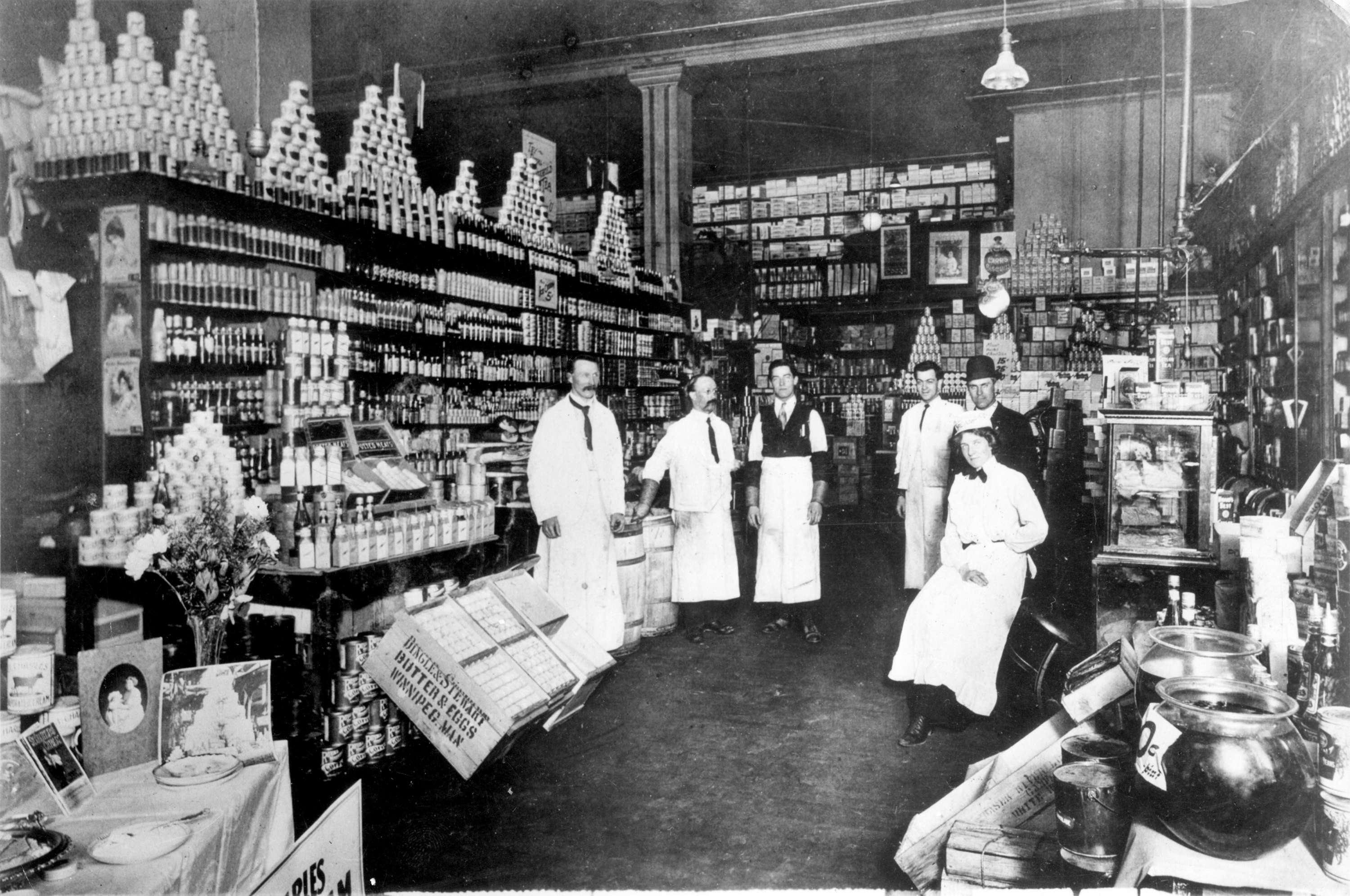 Inside Woodwards grocery department in Vancouver in 1904 (Woodward's Stores Limited)