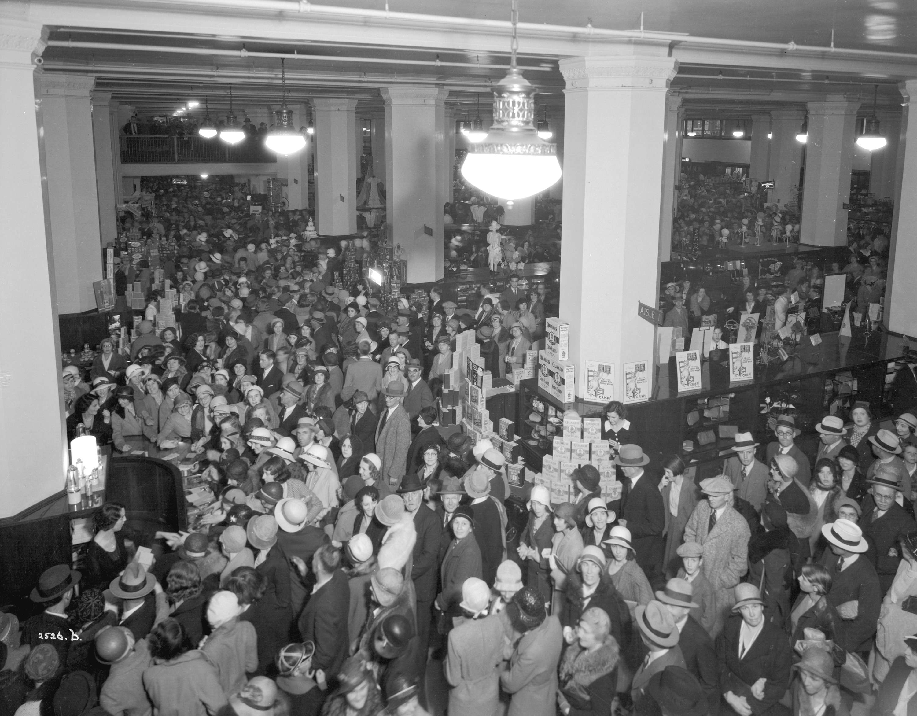 Crowds in the food department of Hudson's Bay in 1932 (Stuart Thomson/HBC)