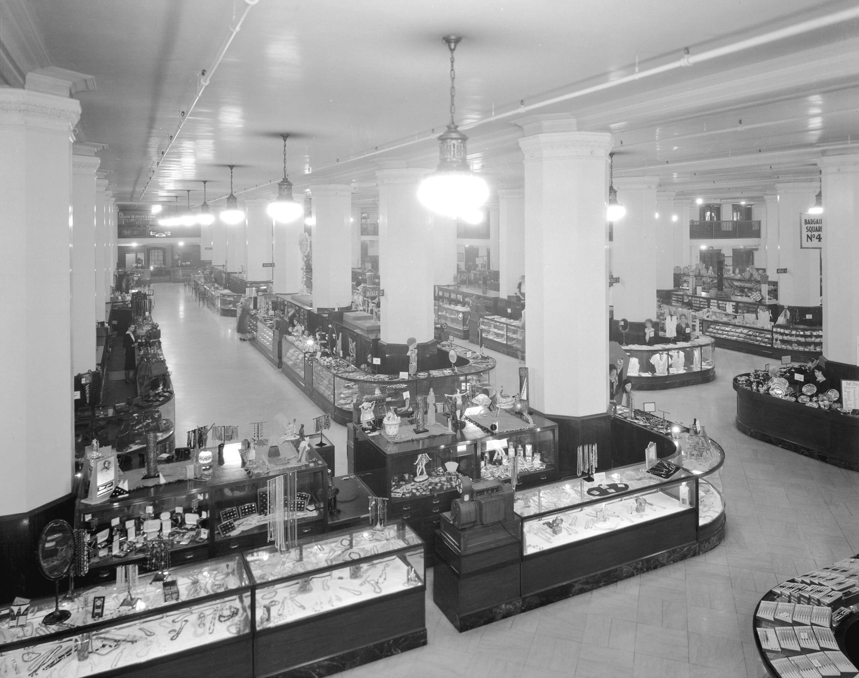 The jewellery department in Hudson's Bay in 1931 (Stuart Thomson/HBC)