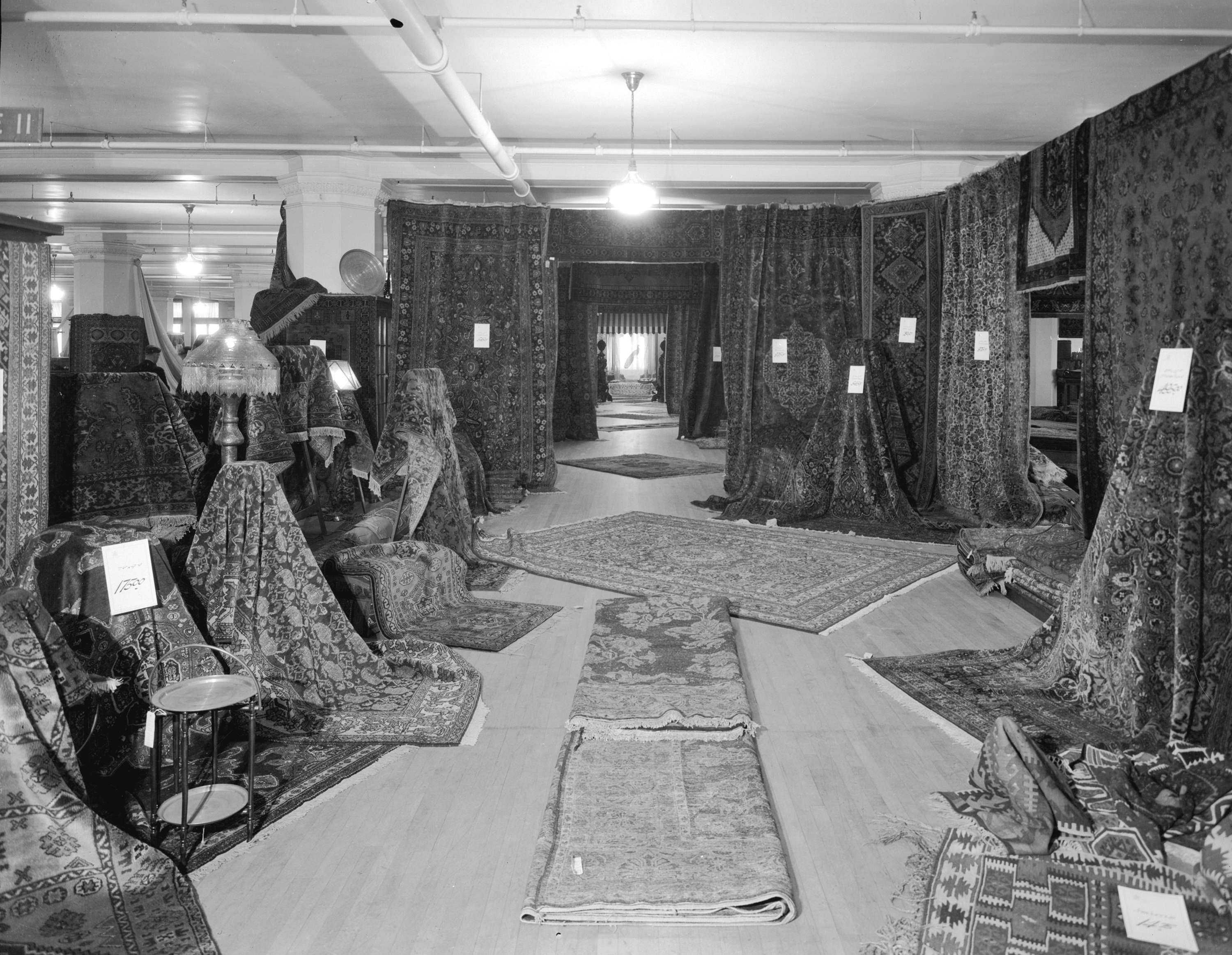 The carpet department at Hudson's Bay in 1931 (Stuart Thomson/HBC)