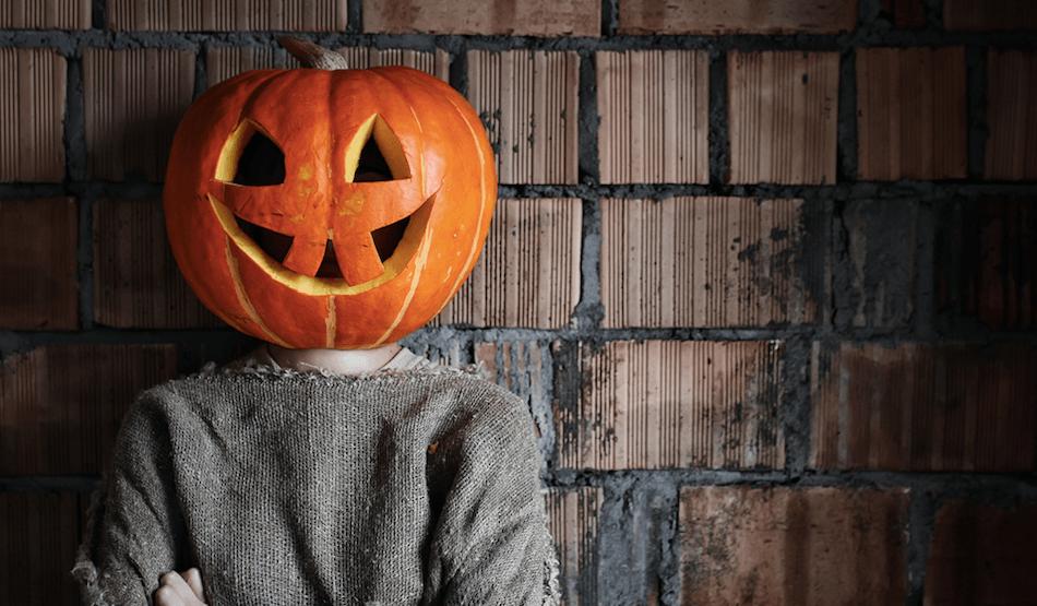 Halloween costume/ Shutterstock
