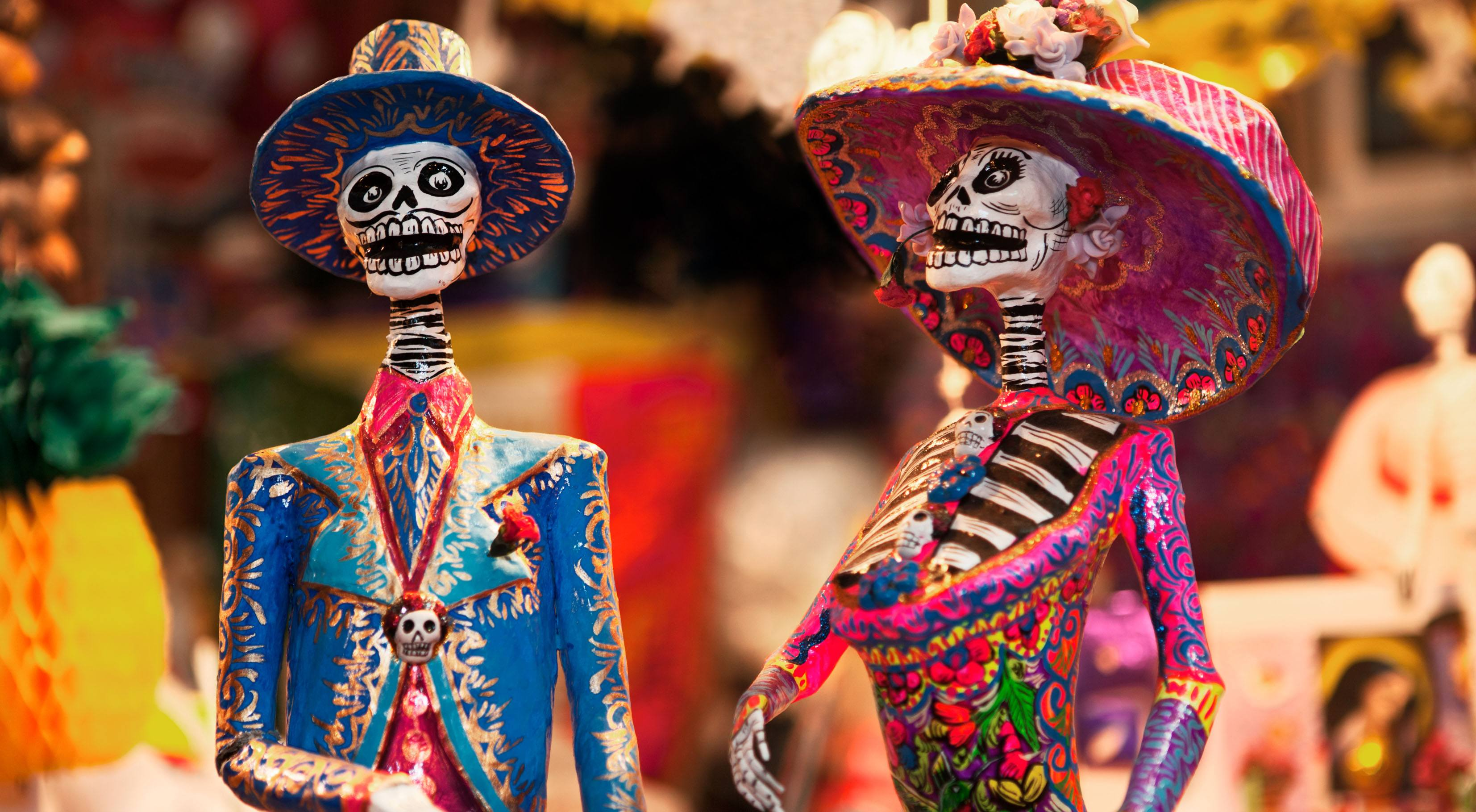 Copy of day of the dead figurines in mercado2