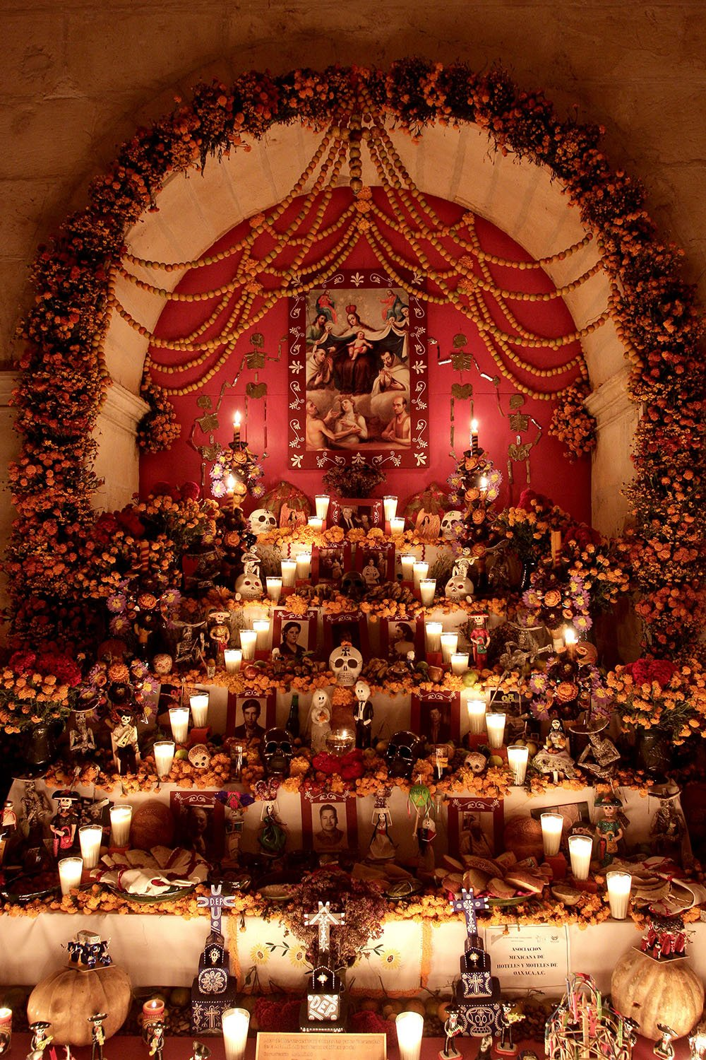 Altar Panteon San Miguel (Mexico Tourist Board)