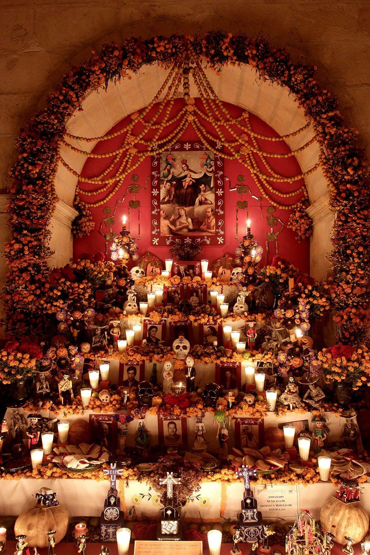 Altar Panteon San Miguel (Mexico Tourist Board)