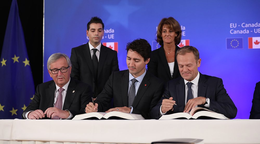 CETA: Trudeau signs Canada-EU trade deal
