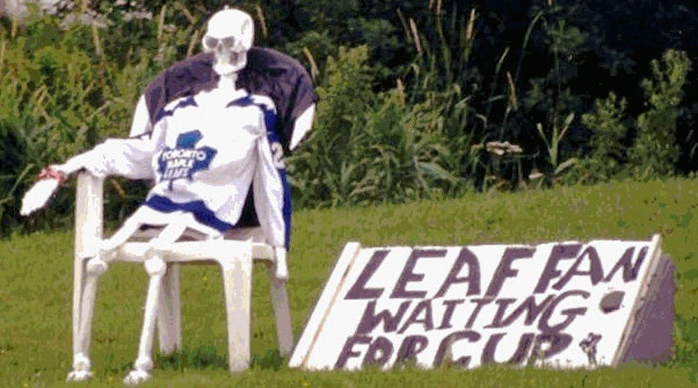 Leaf fan waiting for cup