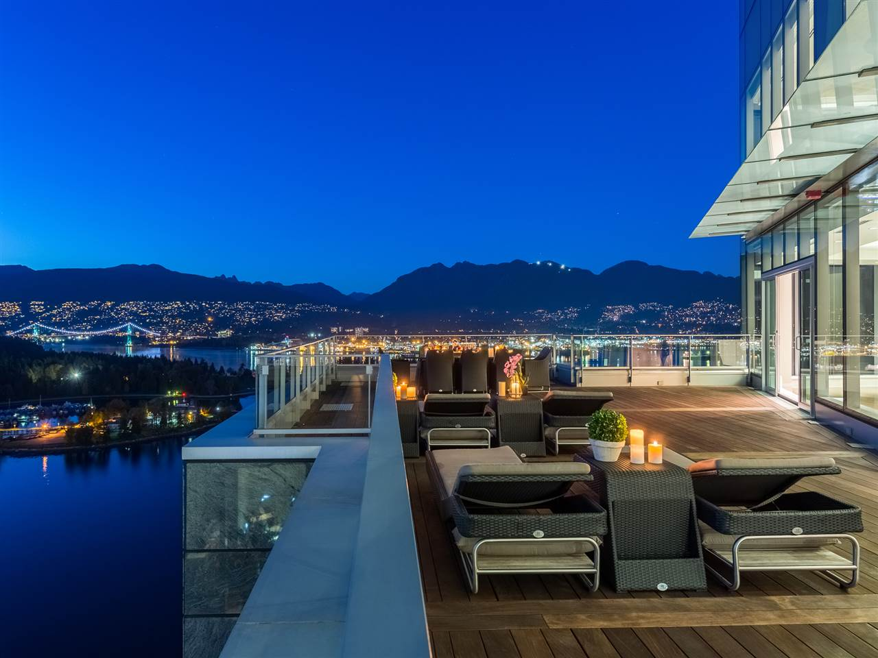 Luxury penthouse at 3101-277 Thurlow Street roof terrace mountain view (MacDonald Realty)