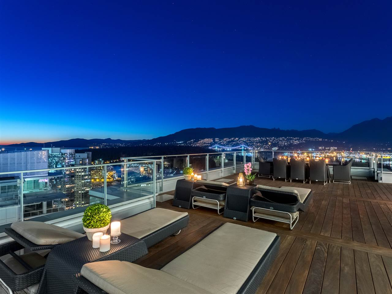 Luxury penthouse at 3101-277 Thurlow Street roof terrace (MacDonald Realty)