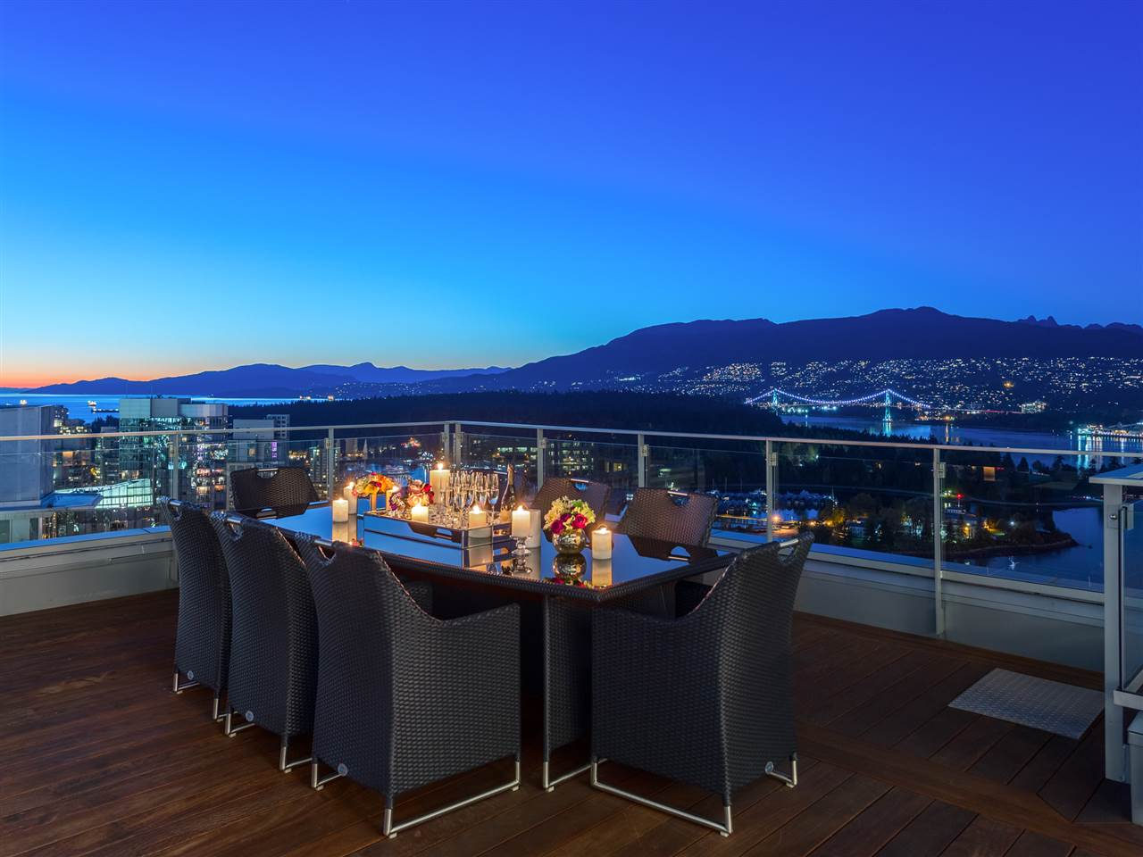 Luxury penthouse at 3101-277 Thurlow Street dining area on roof terrace (MacDonald Realty)