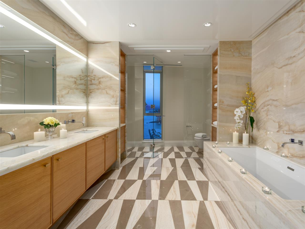 Luxury penthouse at 3101-277 Thurlow Street bathroom (MacDonald Realty)