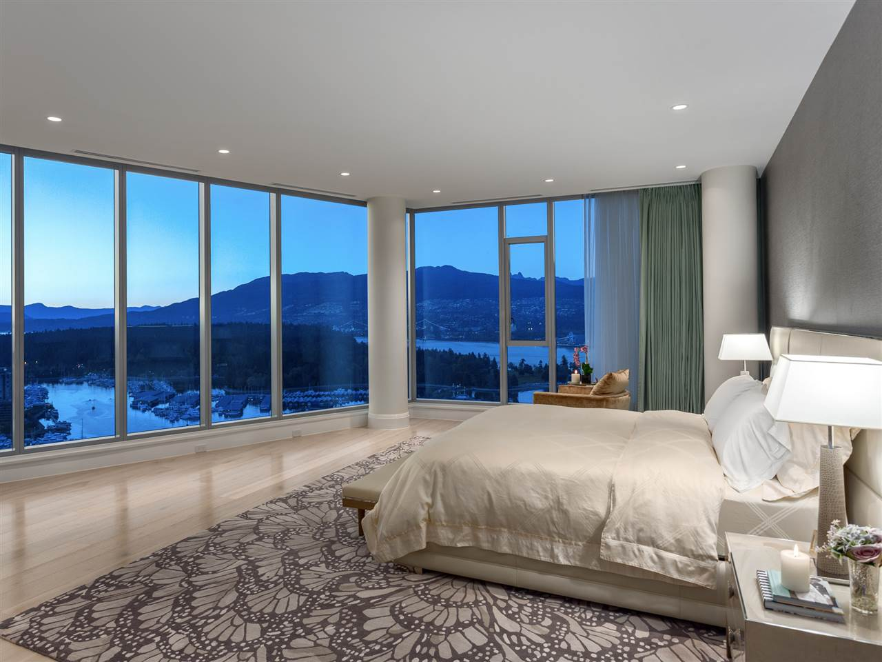 Luxury penthouse at 3101-277 Thurlow Street bedroom (MacDonald Realty)