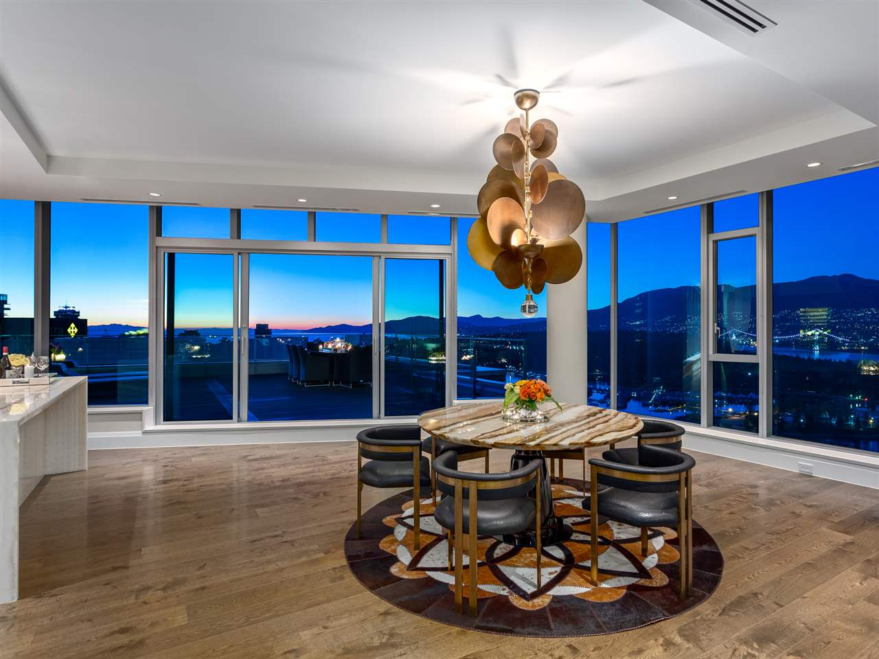 Luxury penthouse at 3101-277 Thurlow Street dining area view (MacDonald Realty)