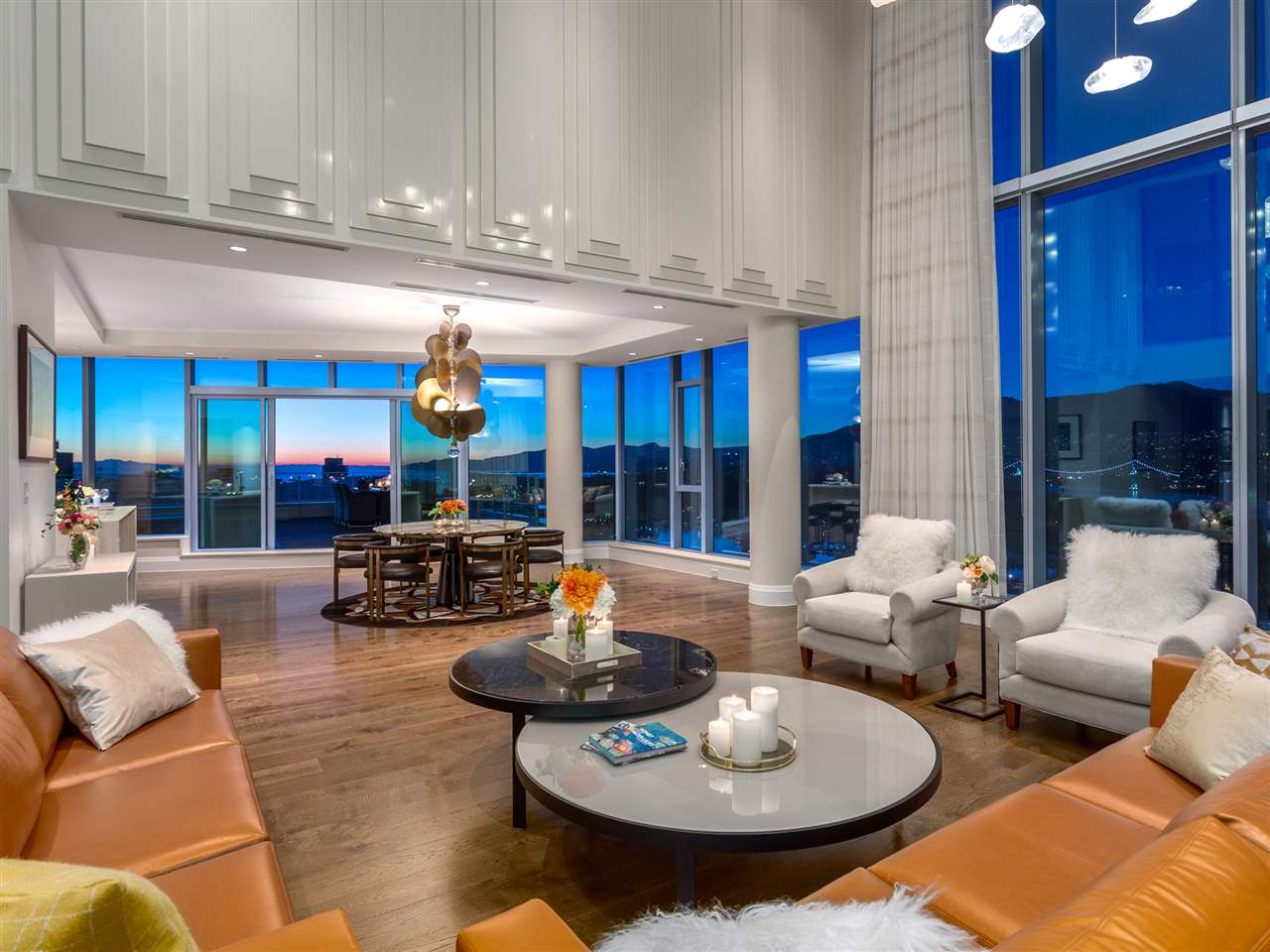 Luxury penthouse at 3101-277 Thurlow Street lounge view (MacDonald Realty)
