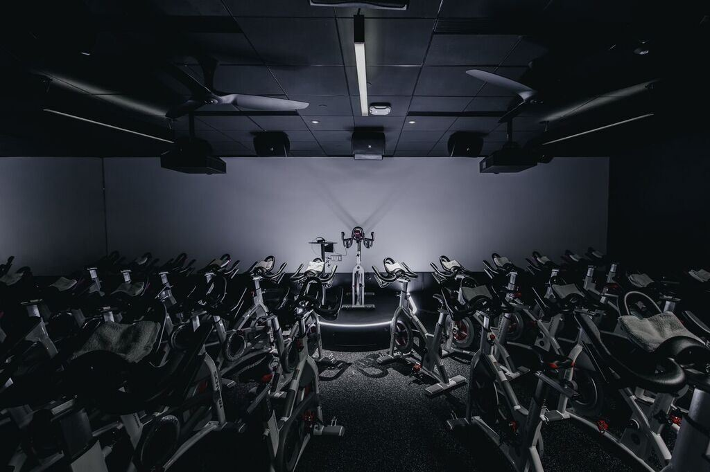 Equinox Gym Vancouver/ Luis Valdizon