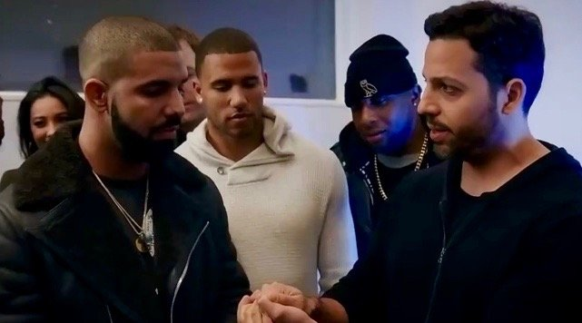 Watch David Blaine blow Drake and Dave Chappelle's minds with magic trick (VIDEO)
