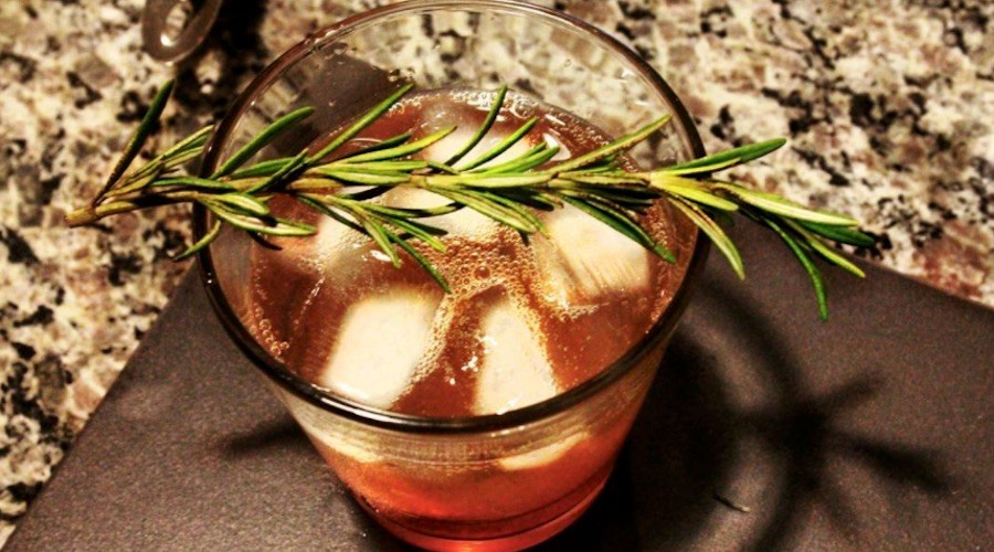 Lounge eighteen yyc gin tonic
