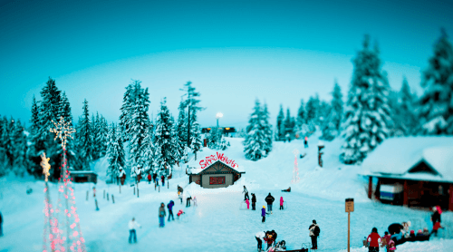 A mountaintop Christmas wonderland returns to North Vancouver this month | Listed - Daily Hive