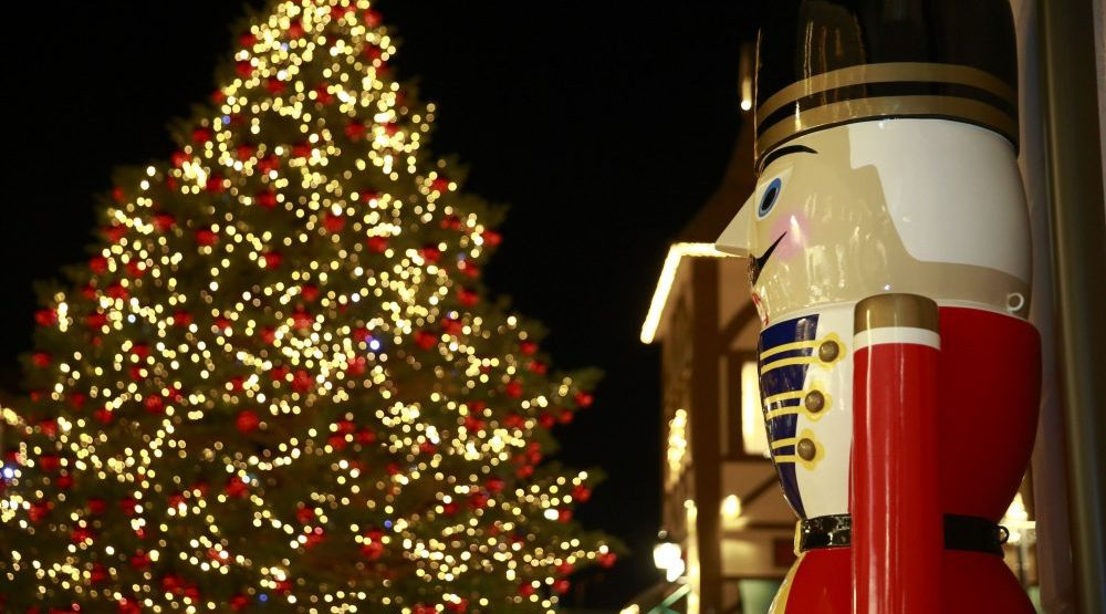 Sparkle Brighter holiday celebrations at McArthurGlen Outlet Mall