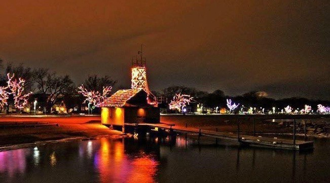 Toronto Beaches boardwalk to be lit up with 80,000 lights tonight (PHOTOS)