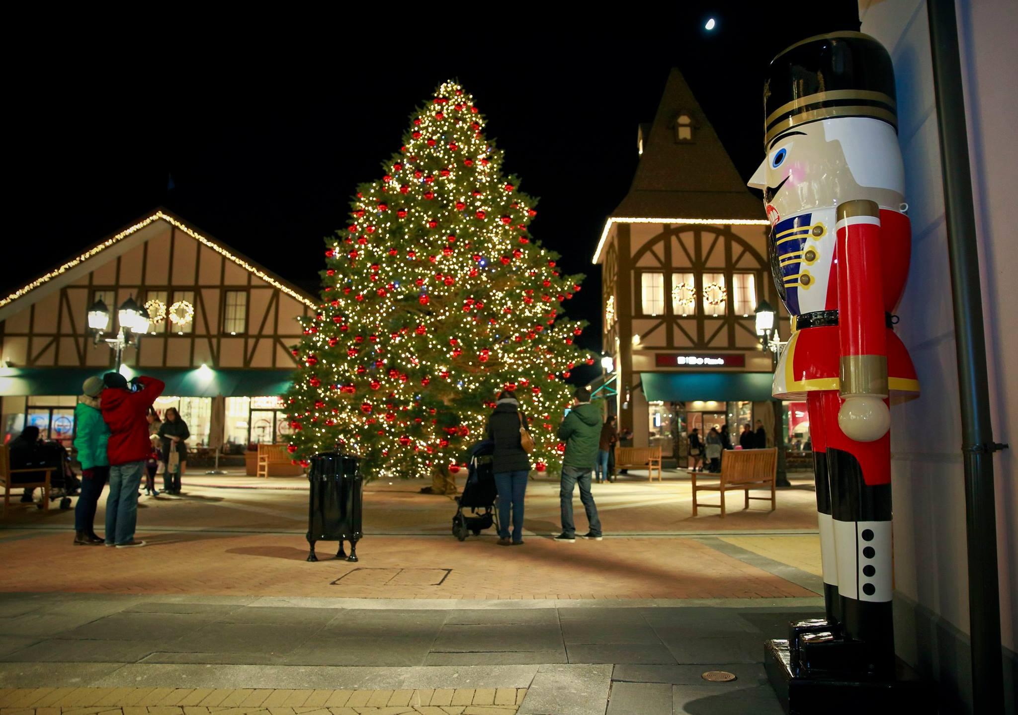 Christmas lights at McArthurGlen (McArthurGlen/Facebook)