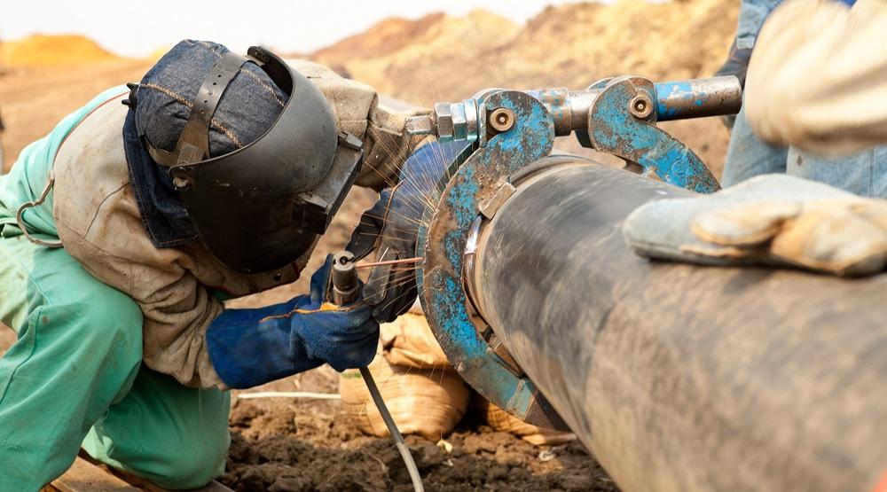 POLL: Canadians mostly split over Kinder Morgan pipeline... except Alberta