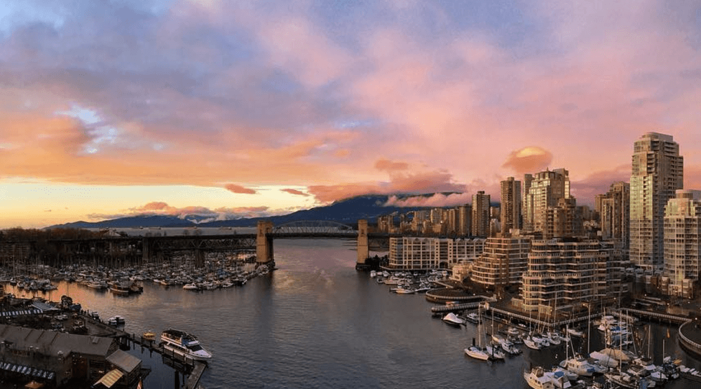 20 gorgeous photos of yesterday's purple sunset in Vancouver