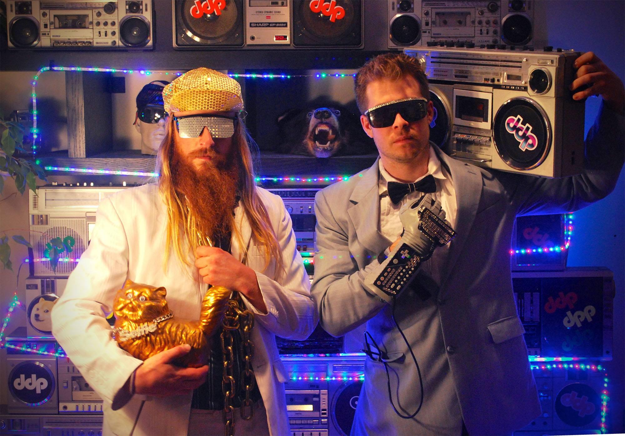 DJs Tom and Gary (Jaques Martiquet)