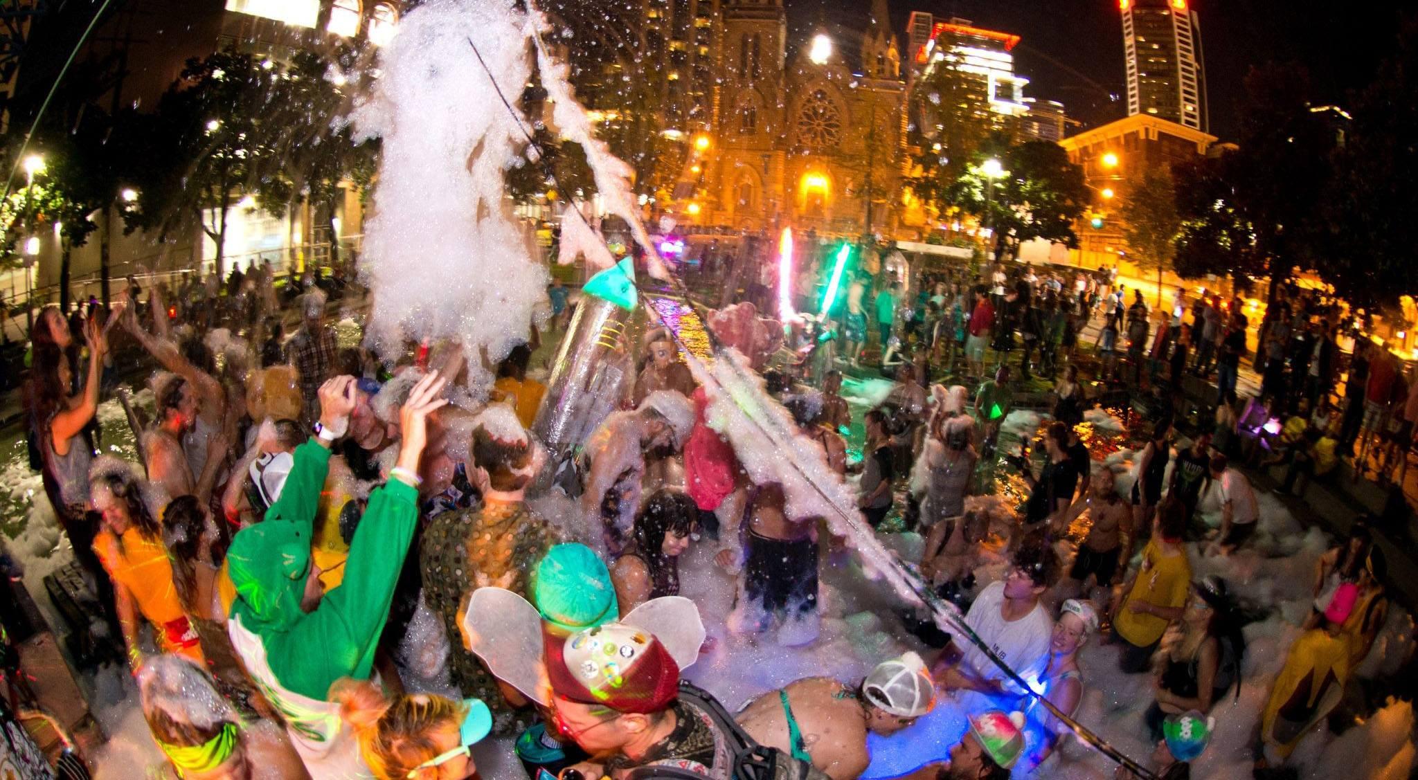 Decentralized fountain party davis chu