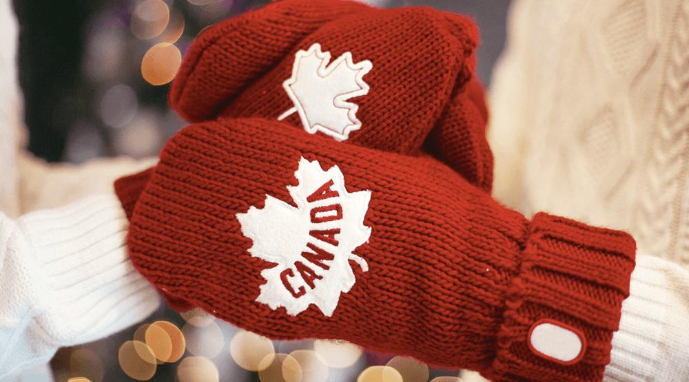 Canada Mittens (Katsiaryna Pakhomava/ Shutterstock)