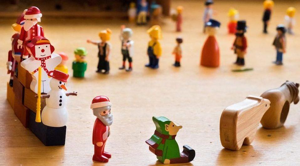 Christmas toy store e1481077890755