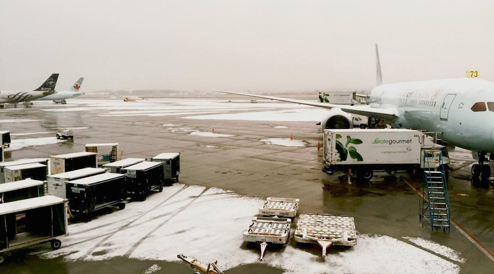 Vancouver international airport yvr airport snow snowfall