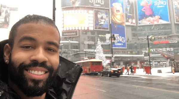 Toronto Blue Jay spends his birthday handing out Tim Hortons gift cards to those in need