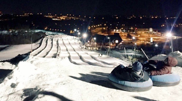 10 places to go snow tubing near Toronto