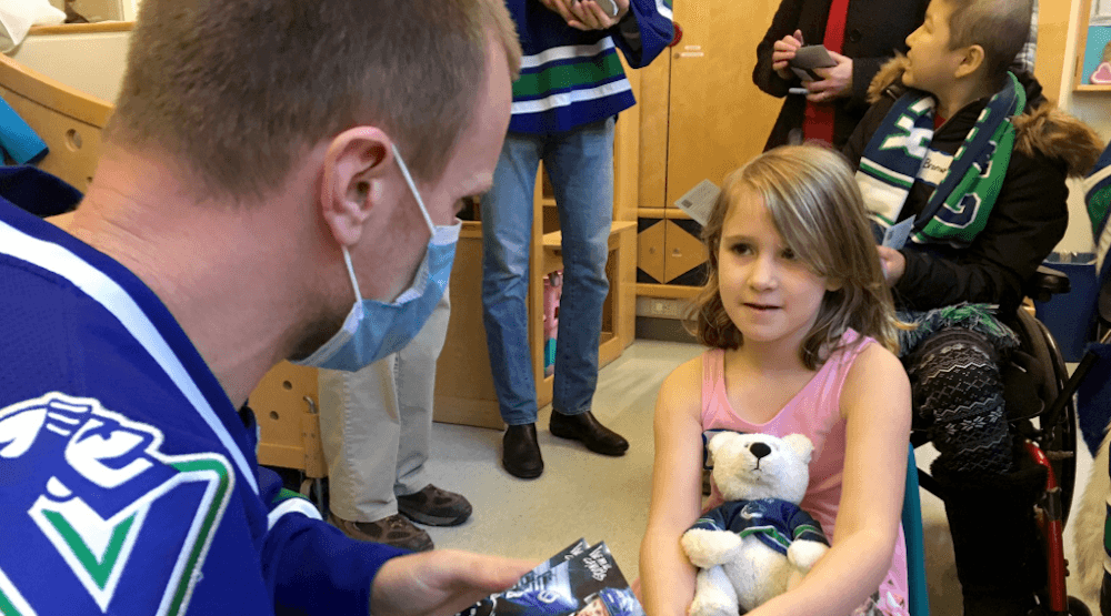 Canucks make annual visit to BC Children's Hospital (PHOTOS)
