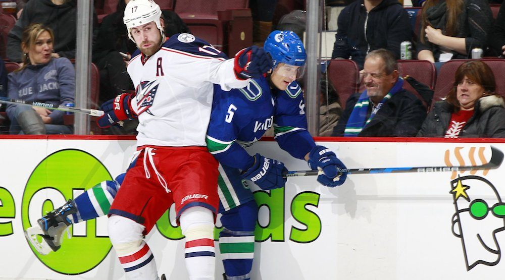 SixPack: Torts comes back to beat Canucks, collects win #500