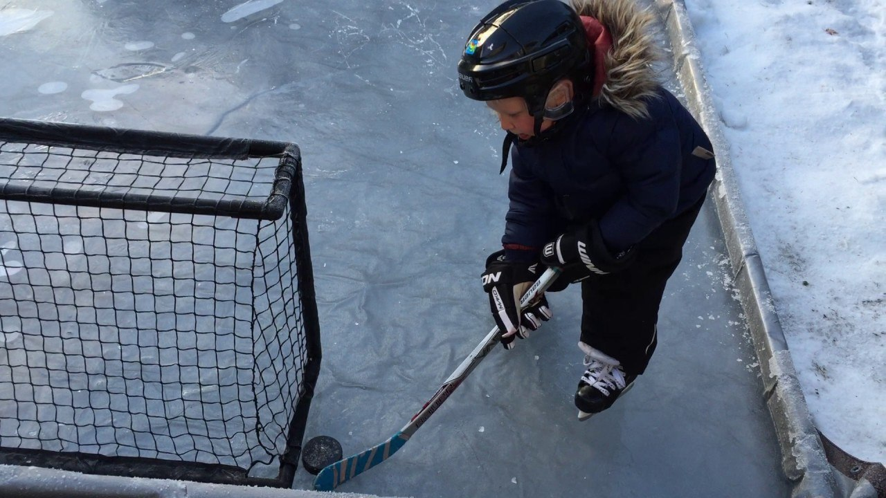 vancouver dad builds backyard ice rink for his son during cold