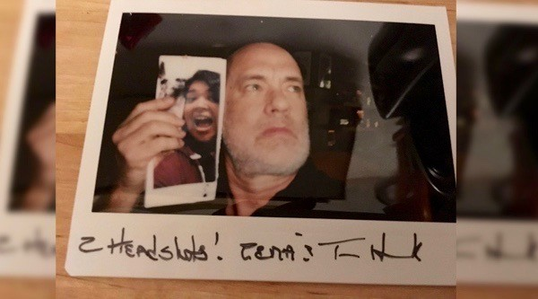 Toronto woman sends Tom Hanks fan letter, he responds with letter and selfie