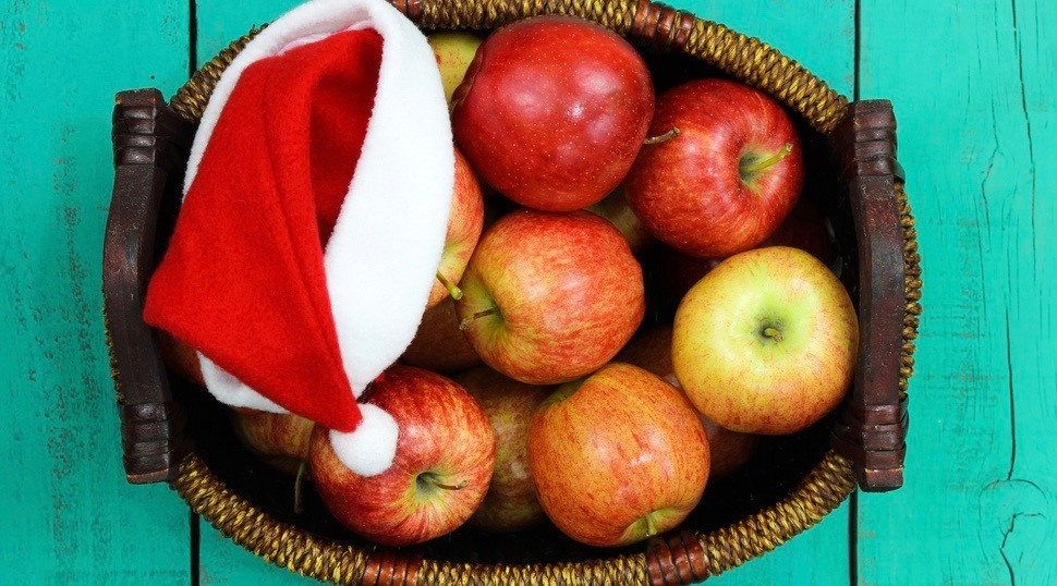 6 holiday eating tips from a registered dietitian to keep you off the Naughty List