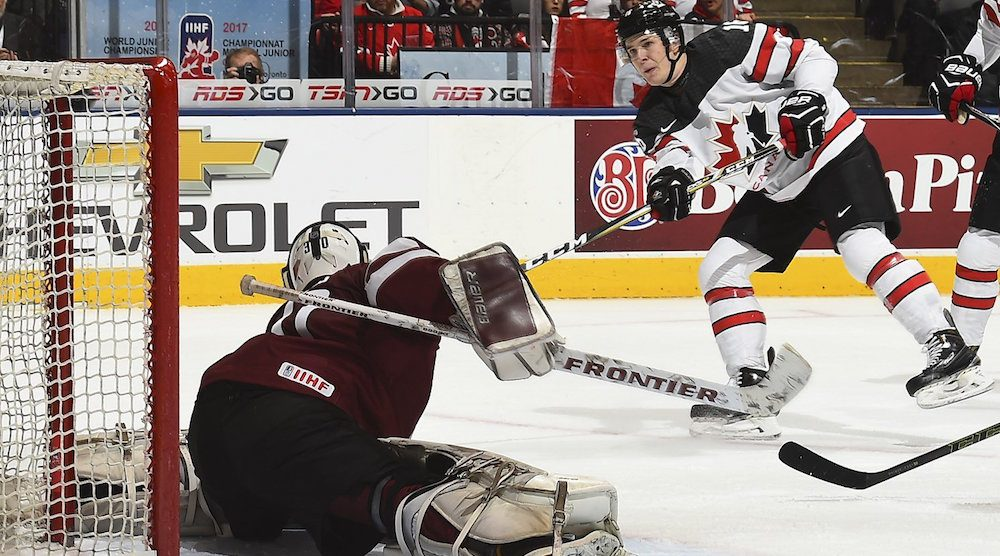 Canada destroys Latvia 10-2 at World Juniors (HIGHLIGHTS)